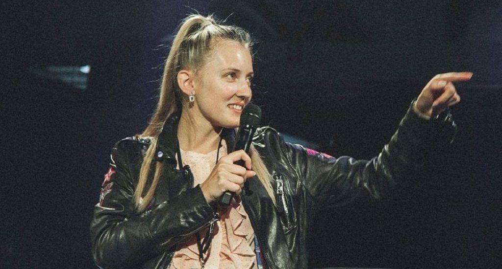 Monika Lionaite pitching on stage