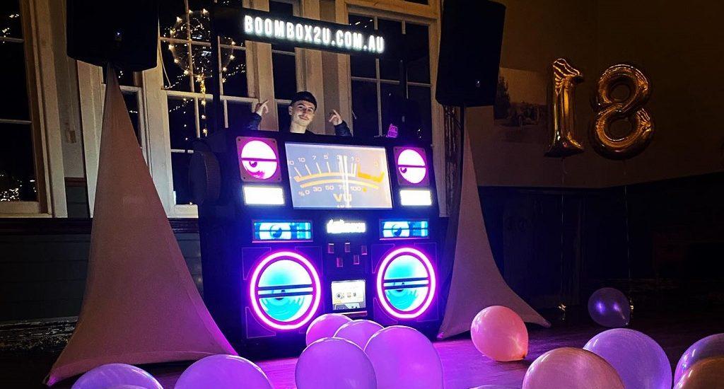 Dan Rawson's DJ Booth, in action